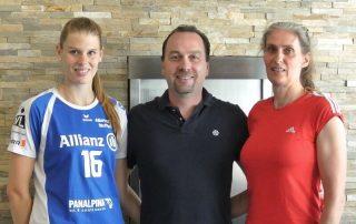 Von links nach rechts: Alessandra Jovy-Heuser, deutsche Meisterin und Pokalsiegerin im Volleyball; Stephan Müller; Karin Steyer mehrmalige deutsche Meisterin und Pokalsiegerin im Volleyball